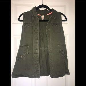 Kids olive vest